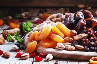 میوه خشک در رژیم غذایی